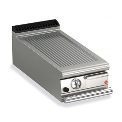 Gratar Fry Top Baron Q70FTT/G415, linia QUEEN7, placa nervurata cromata , putere 6,5 kW, arzatoare gaz, termostat reglabil